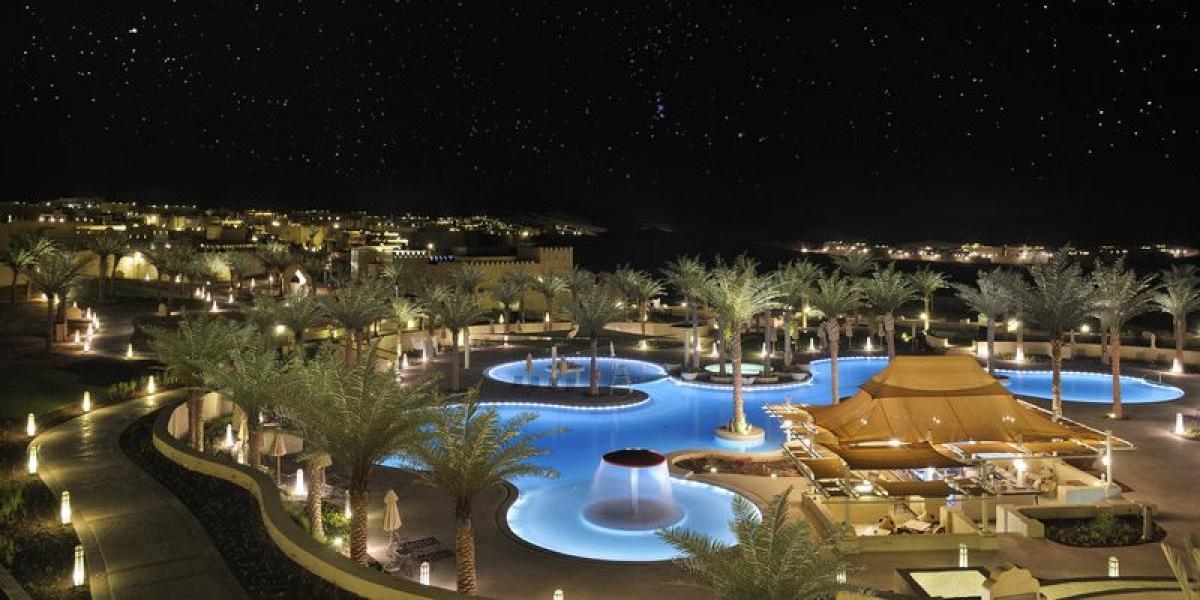 The Qasr Al Sarab by night