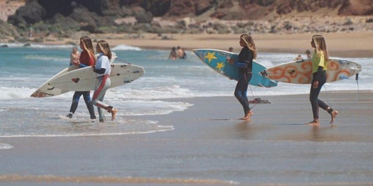 Surf school at Memmo Baleeira.