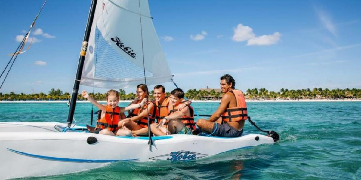 Kids sailing at the Barcelo Maya