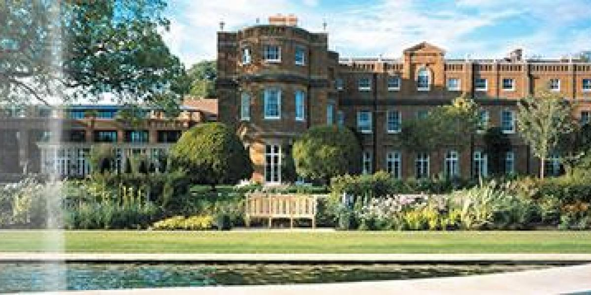 UK Family Holidays and Breaks: The Grove, Hertfordshire