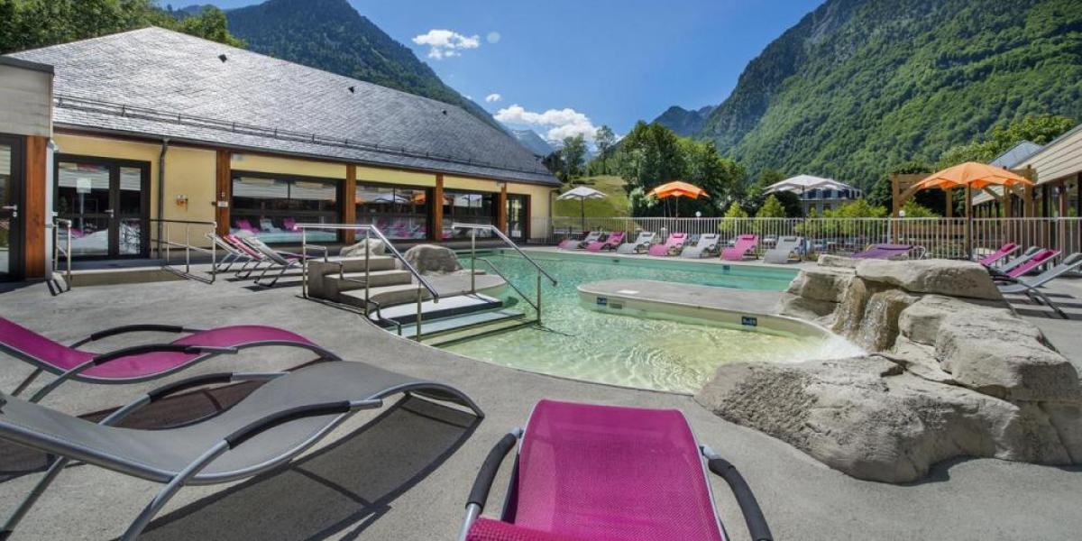 Outdoor pool at Village de Vacances - Les Marronniers, Domaine de Pyrène