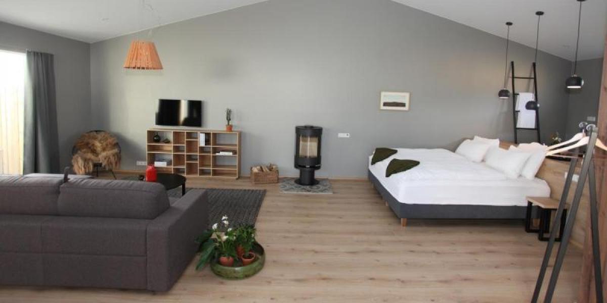 Modern stylish bedroom at Stracta Hotel Hella.