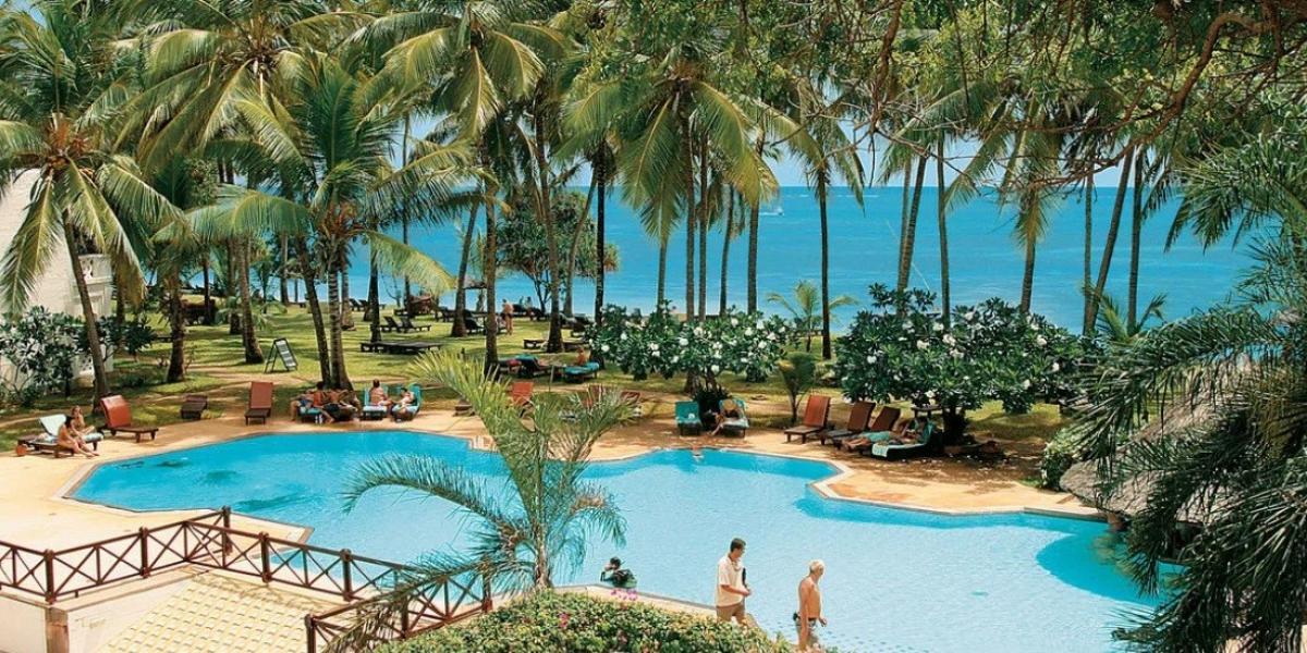 Pool at Serena Beach Hotel & Spa.
