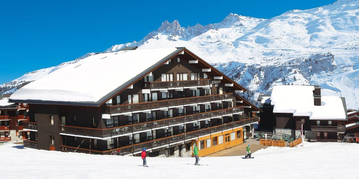 The Chalet Hotel Tarentaise in its prime slope-side setting.