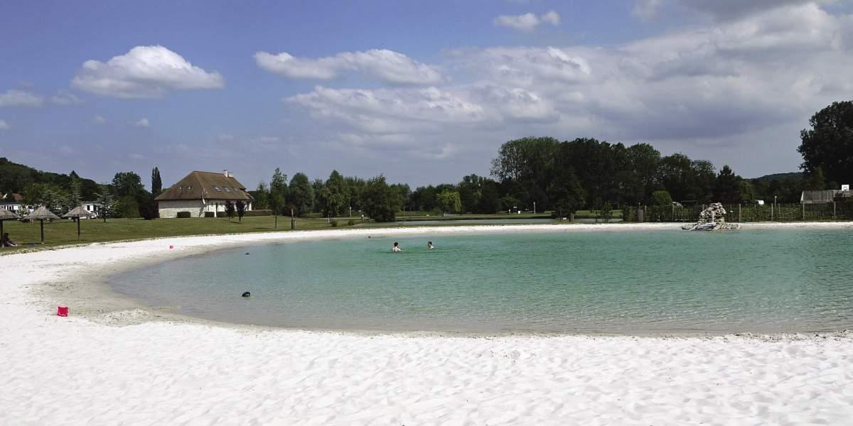 Lake with beach at La Croix du Vieux Pont, Picardy.