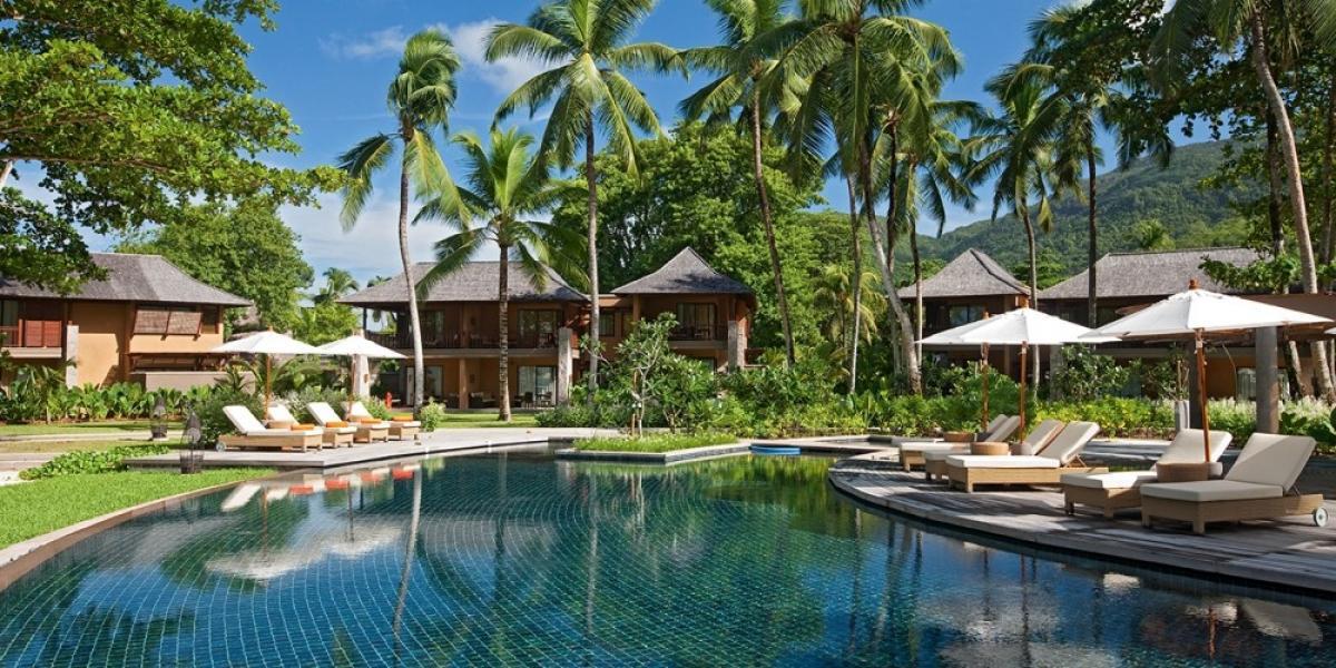 Villas and pool at Constance Ephelia Five Star Resort.