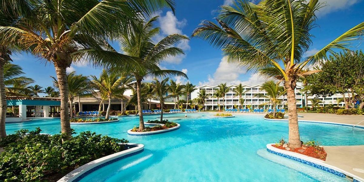 Splash pool at Coconut Bay.