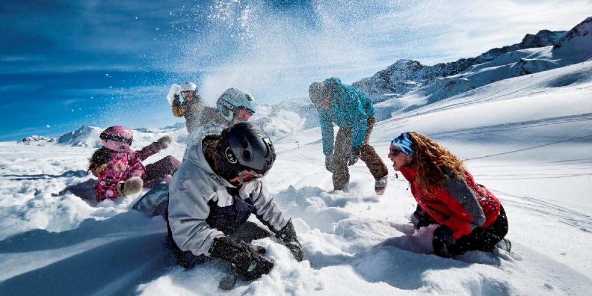 Snow fight in Tignes.
