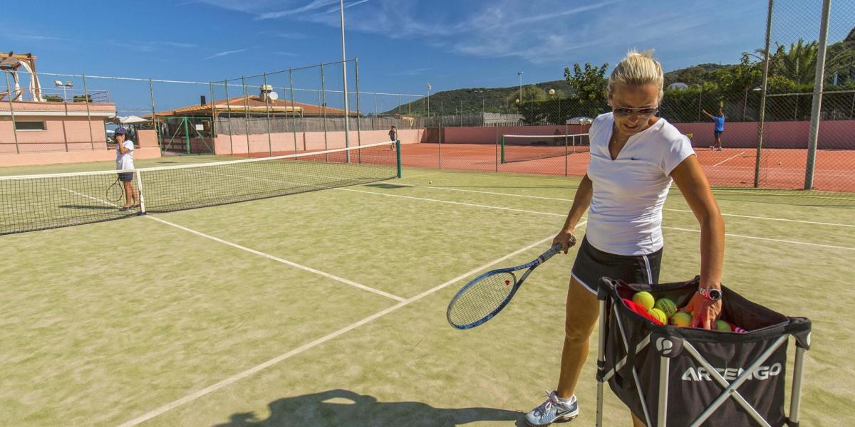 Hotel del Golfo tennis tuition.