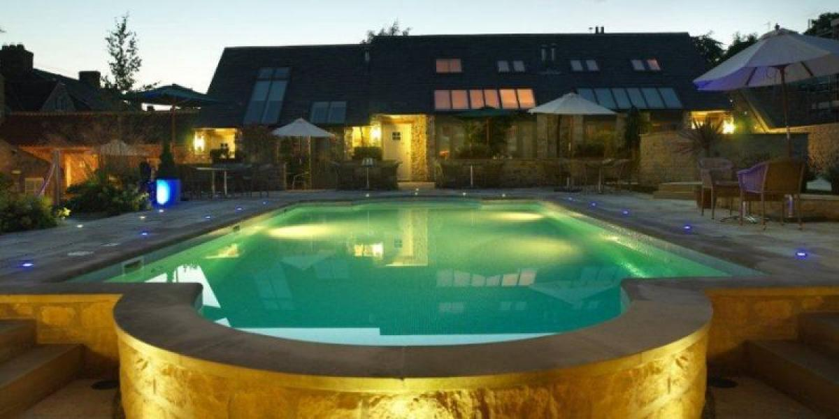 Outdoor pool at the Feversham Arms.