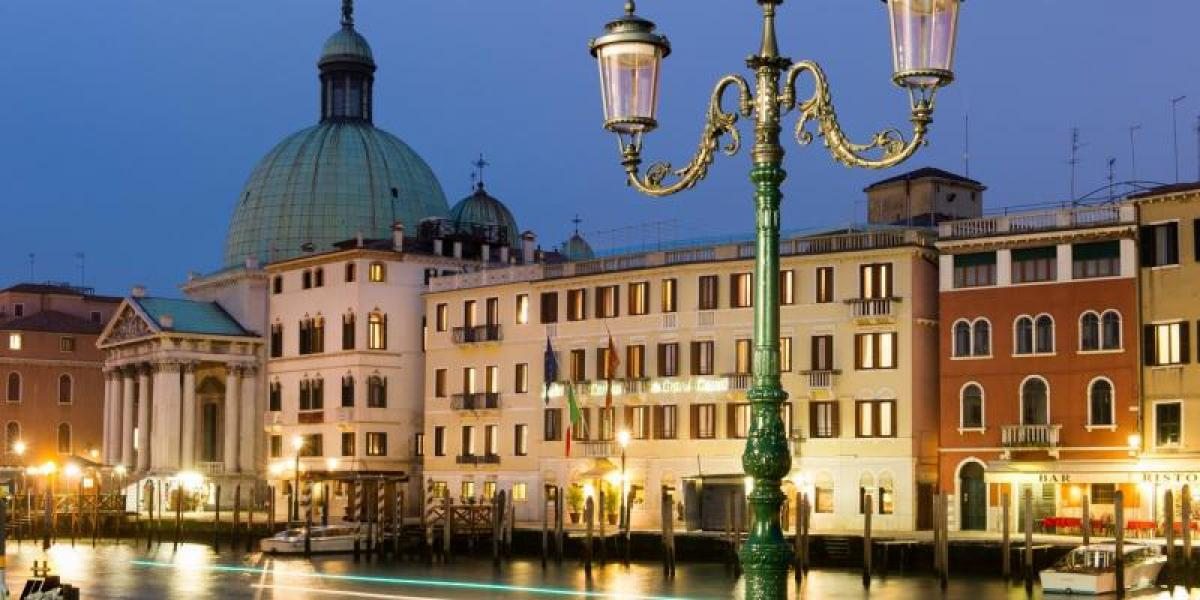 Hotel Carlton on the Grand Canal, seen at night.