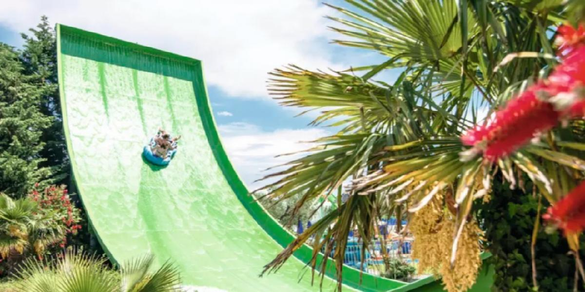 Guests at Planos Bay can enjoy unlimited access to nearby waterpark.